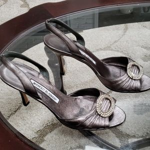 Manolo Blahnik size 381/2 (81/2) pewter heels
